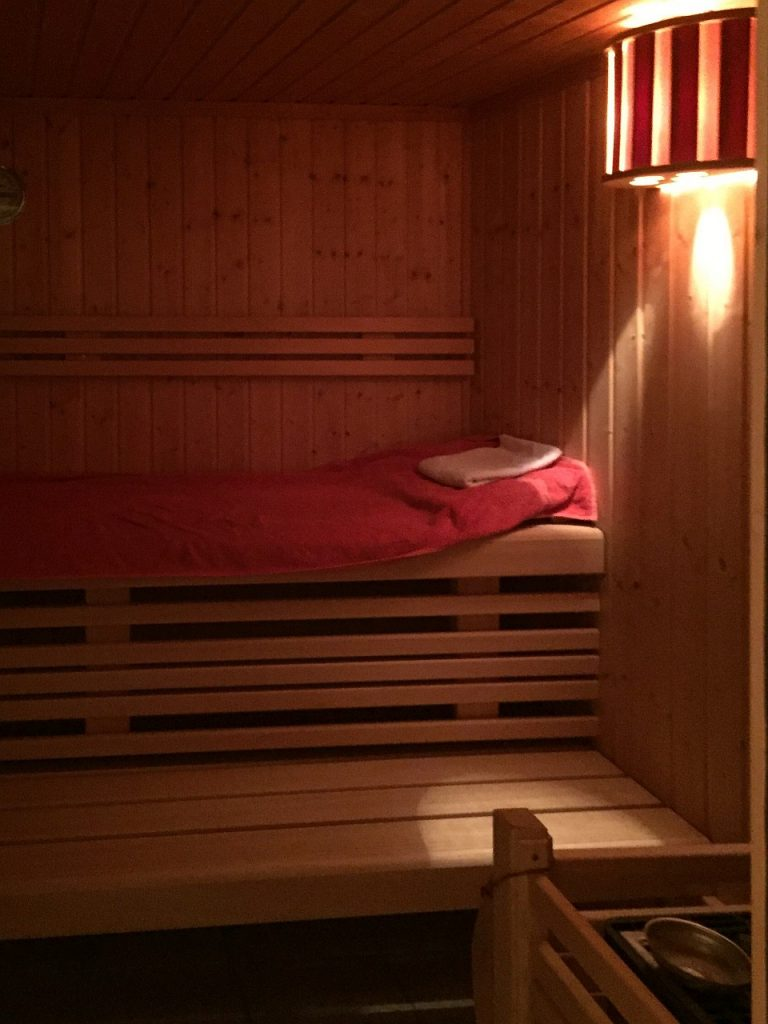 Blick in die Sauna der Ferienwohnung