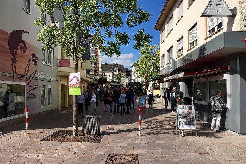 Blick in die Fußgängerzone von Bad Lippspringe